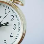時間にはお金と同じ価値がある。時間を無駄にするな!!